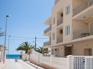 Apartment La Caleta 01, Apartmanok  Calpe - big - 1
