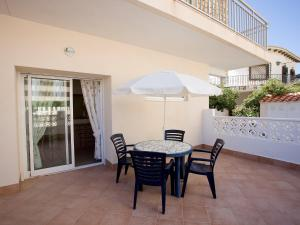 Apartment La Caleta 01, Apartmanok  Calpe - big - 5