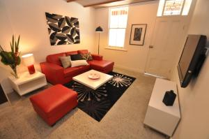 Camperdown Self-Contained Modern Two-Bedroom Apartment (21 BRIGS)