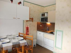 Apartment Les Asters.26, Apartmány  Les Menuires - big - 7