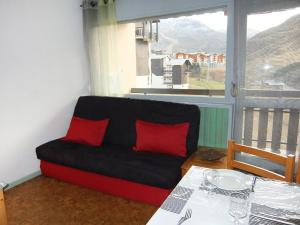 Apartment Les Asters.26, Apartmány  Les Menuires - big - 4