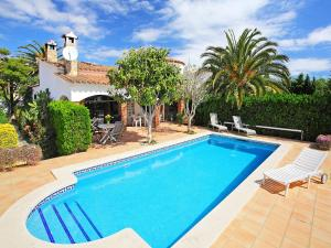 Holiday Home Falconera 33b