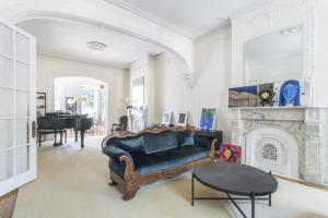 Three-Bedroom Apartment - Dean Townhouse III
