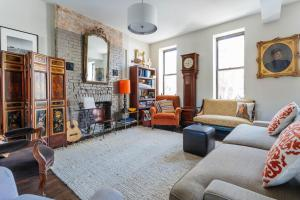 Four-Bedroom Apartment - Waverly Avenue Townhouse