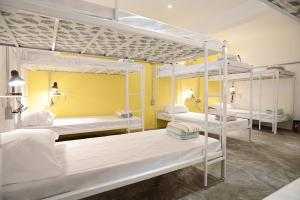 Single Bed in Mixed Dormitory Room (12 Adults)