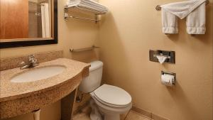 Queen Suite with 2 Queen Beds - Disability Access - Non-Smoking