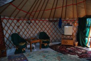 Almond Grove Yurt Hotel, Zelt-Lodges  Ábrahámhegy - big - 32