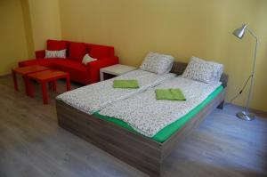 Colors Apartments Budapest, Hostels  Budapest - big - 41