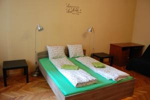 Colors Apartments Budapest, Hostels  Budapest - big - 11