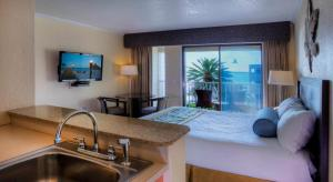 Deluxe Studio Suite with Pool View