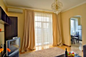 One bedroom apartment near Golden Gates at 8/4 Zol, Киев