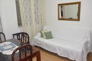 One-Bedroom Apartment - Av. Nossa Senhora de Copacabana, 876B / 703