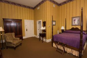Queen Room- John R. Lynch Room