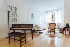 Three-Bedroom Apartment - West 119th Townhouse