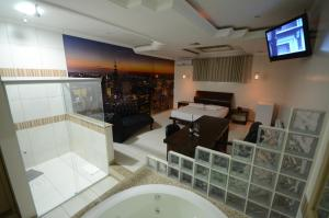 Suite with Spa Bath #3