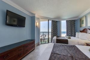 One-Bedroom Queen Suite with Oceanfront View