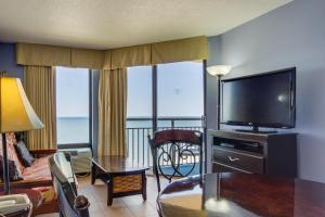 One-Bedroom King Suite with Oceanfront View