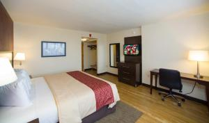 Queen Room - Disability Access/Non-Smoking - Capitol View
