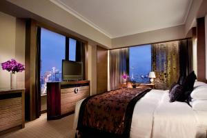 Prestige King Suite