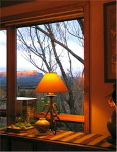 Sundance Bear Lodge - Bed And Breakfast