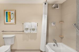 Room with Two Queen Beds and Bath Tub - Mobility Accessible