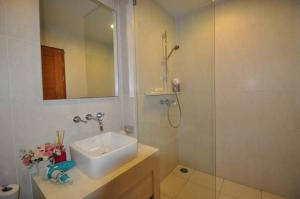 Beach Front Apartment-Baan Sansuk, Apartmanok  Huahin - big - 12
