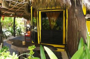 Bungalow with Sea View - Christopher Columbus