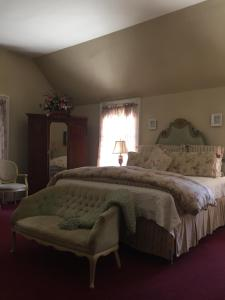 Brookside King Room