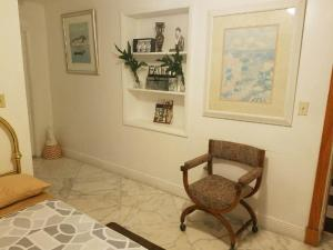 Room with private Entrance