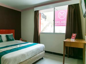 OYO Rooms Masjid India Jakel Mall