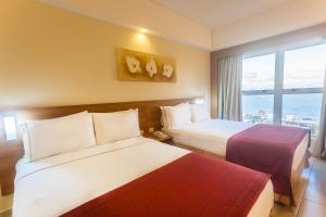 Superior Double Room with Two Double Beds and Sea View - Non-Smoking