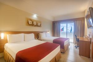 Deluxe with King Size Bed - Ocean View and Terrace - Non-Smoking