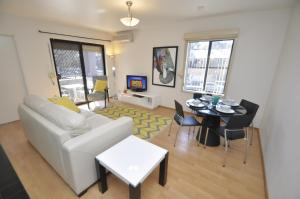 Woolloomooloo Self-Contained Modern One-Bedroom Apartment (8CAT)