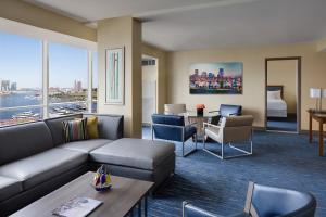 Premier Suite with City View