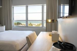 Deluxe King Room with Ocean Front