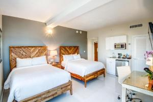Double Room with Two Double Beds Ocean Front