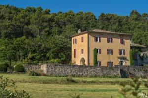 B&B La Bastide Desmagnans, Bed & Breakfast  Lacoste - big - 18