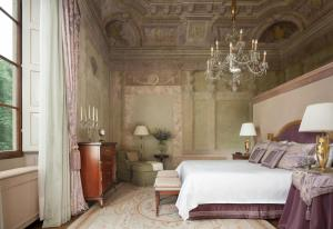 Suite Executive con frescos y cama extragrande