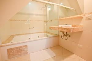 Luxury Double Room with Spa Bath