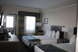 Double Room with Two Double Beds with Bath Tub