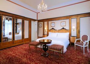 Deluxe Double or Twin Room with Opera View