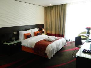 Radisson Blu Hotel, Abu Dhabi Yas Island room photos