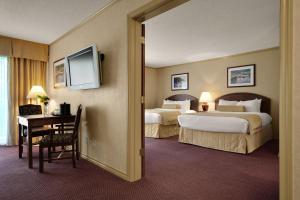 Queen Suites with Two Queen Beds - Non smoking