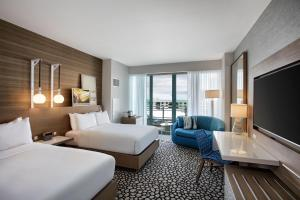 Deluxe Quadruple Room with Balcony - Intracoastal Way