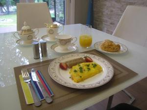 Riverfront Bed and Breakfast, Bed and breakfasts  North Vancouver - big - 24