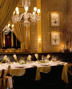 The Carlyle, A Rosewood Hotel - 14 of 45