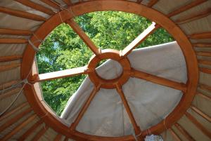 Almond Grove Yurt Hotel, Zelt-Lodges  Ábrahámhegy - big - 49