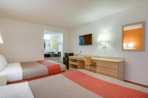 Motel 6 Tacoma South, Hotels  Tacoma - big - 4