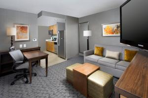 King Suite - Hearing Accessible - Non-Smoking