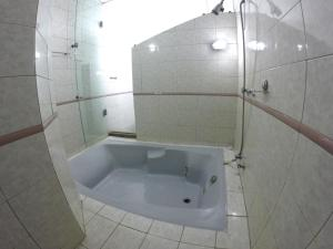 Deluxe Queen Suite with Spa Bath